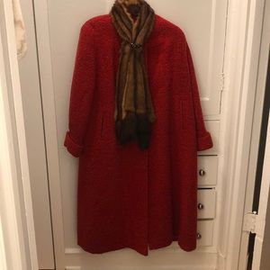Jackets & Blazers - Vintage red boucle wool coat with fur trim